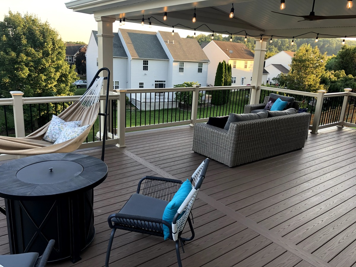 A Deck for All Seasons: Maximizing Your Outdoor Living Space for Fall
