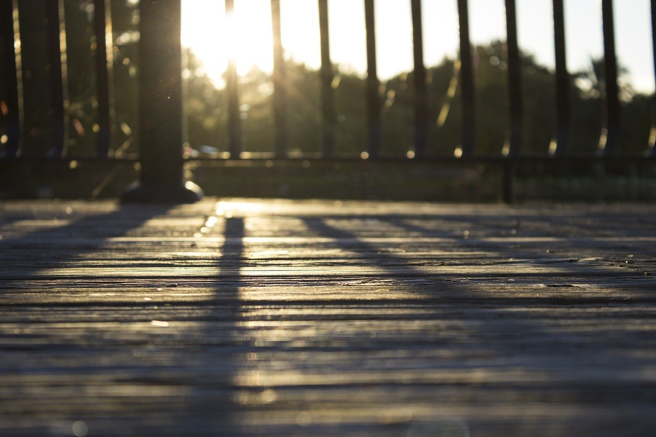 4 Ways to Enhance the Deck Space You Have